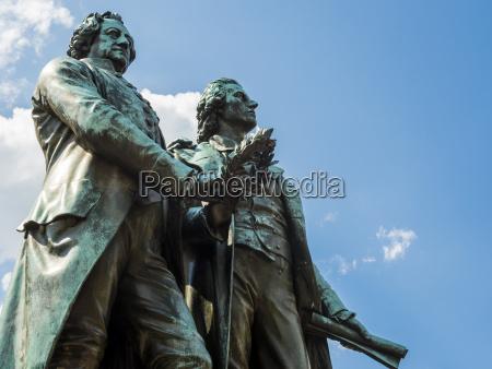 przyjazn jazda podrozowanie historyczny pomnik statula