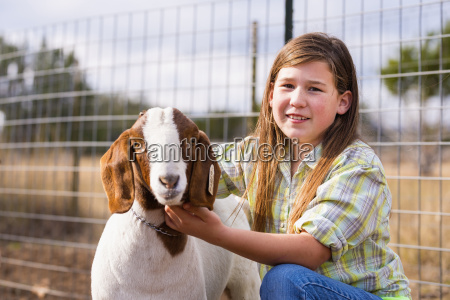 usa texas young girl handling boer