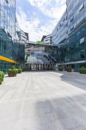 nowoczesne budynki biurowe nowy belgrad belgrad