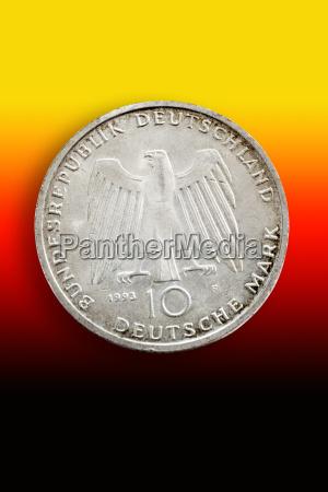 monety zloty ksztalt kola okreg finansowych