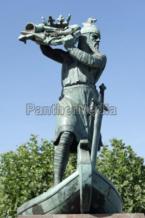 jazda podrozowanie pomnik sztuka drzewo statula