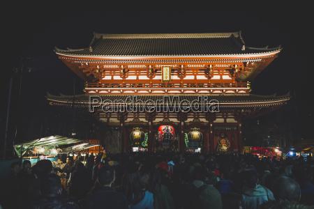 japan tokyo asakusa crowd of people