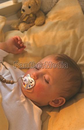 dziecko 2 5 miesiecy do spania