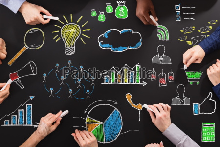 rysunek hands business strategii z kreda