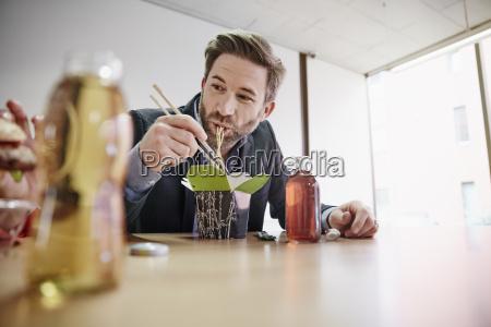 biznesmen o obiad