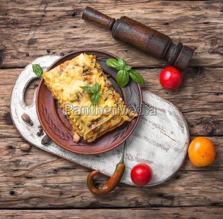 tradycyjny wloski lasagne