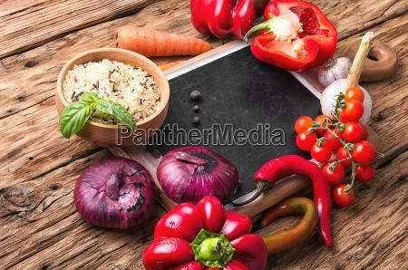 wegetarianska nadziewana papryka