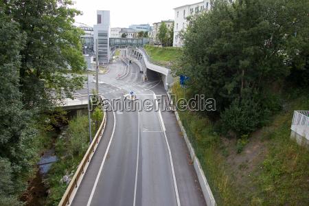 prowadzic miasto grod town ruch drogowy