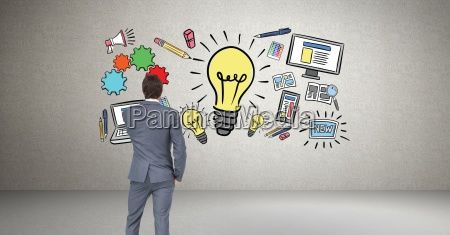 biznesmen patrzac na grafike idea