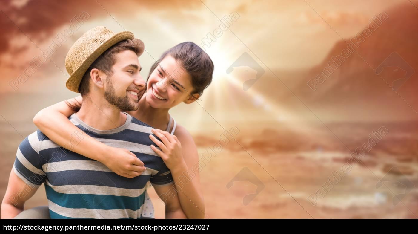 happy, man, dając, przejażdżkę, na, barana - 23247027