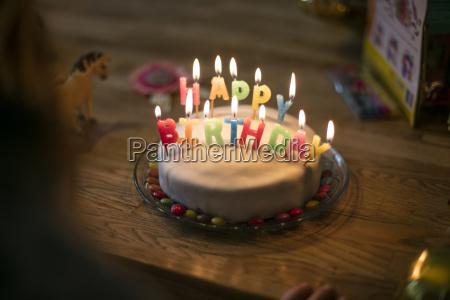 tort urodzinowy malej dziewczynki
