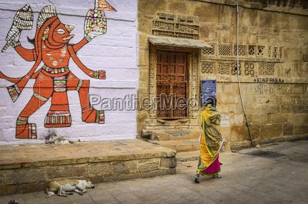 kobieta womane baba kobiety damska chodzenie