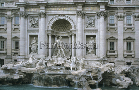 trevi fountain fontana di trevi in