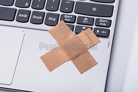 klawiatura do laptopa z cross band