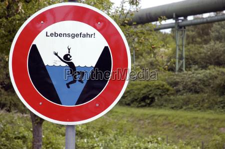 tarcza sygnal znak niebezpieczenstwo zagrozenia potok