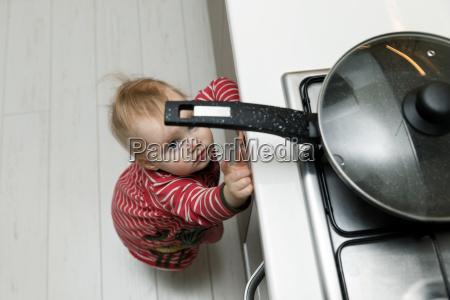 bezpieczenstwo dzieci w domu concept toddler