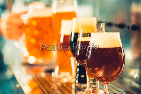 kufel piwa stol barowy glassses z