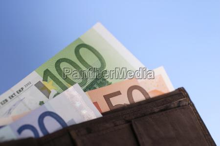 euro notes in geldborse