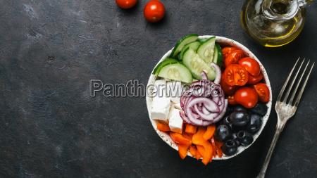 grecka miska na salatki przestrzen do