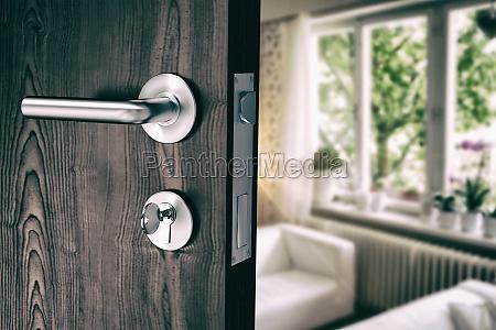 zlozony wizerunek brown drzwi z metalu