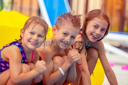 wesolych dzieci w aqua park