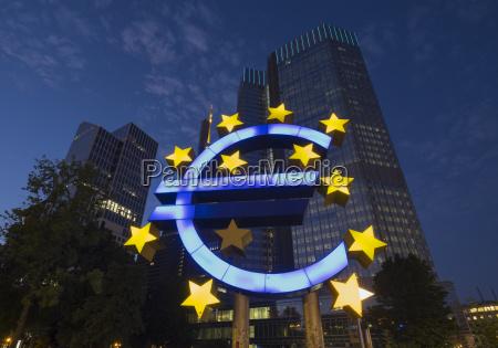 euro sculpture eurotower gallusanlage frankfurt hesse