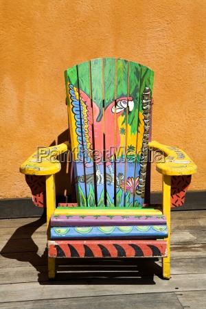 malowane krzeslo island village entertainment complex