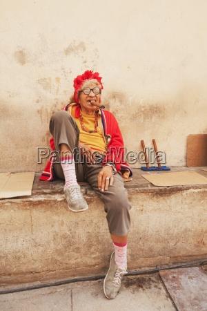 lokalny kubanski charakter pali cygaro hawana