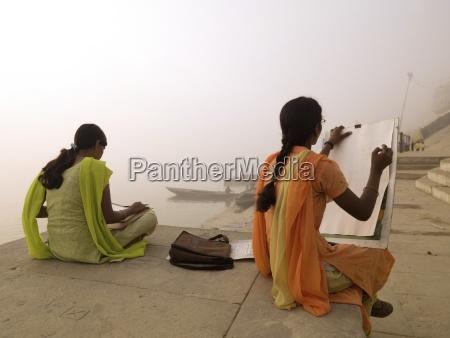 dwa mlode indyjskie kobiety szkic przez