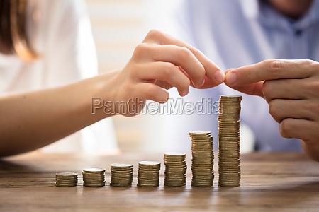 para ukladania zlote monety