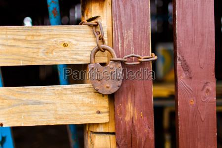 metal stodola drewniane drewniany niesmialy shed