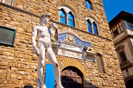statula david florencja posag kolumna obrazu