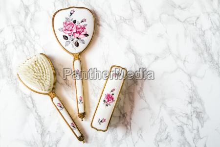 vintage vanity set skladajacy sie z