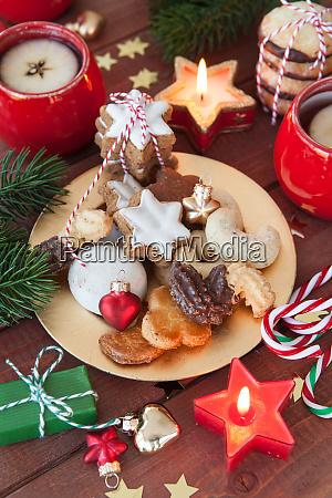 rozne swiateczne ciasteczka