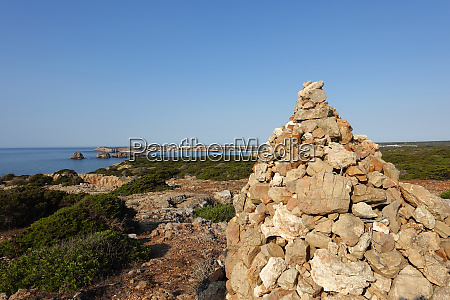cairn lub kopiec kamieni w portugalii