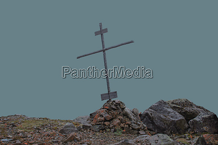 krzyz chrzescijanski na kopiec