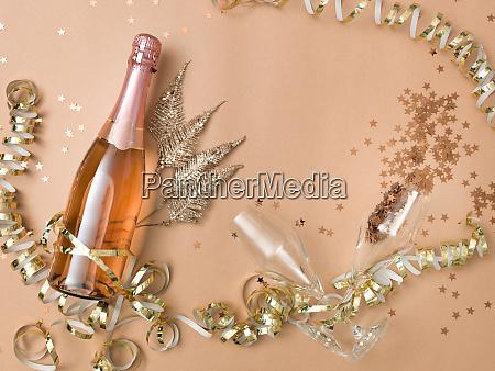 nowy rok tlo z butelka szampana