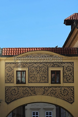 house with sgraffito pattern prague