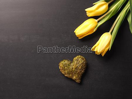 symboliczne koncepcyjne tablica tradycyjny serce tulipany