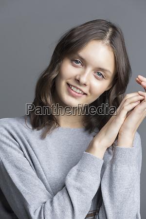 studio portrety mlodej kobiety 22