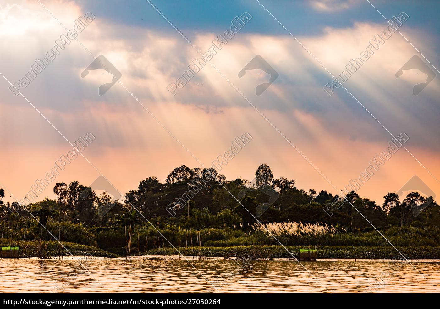 village, life, on, the, mekong, delta, - 27050264