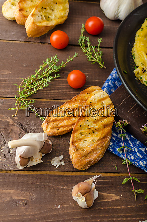 herb omelette with chives and oregano