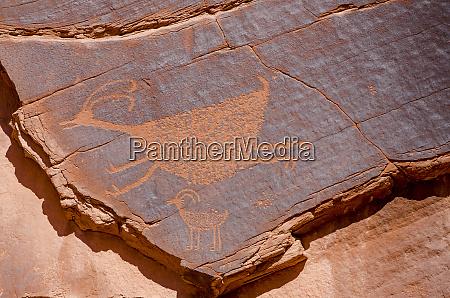 petroglyphs at suns eye monument valley