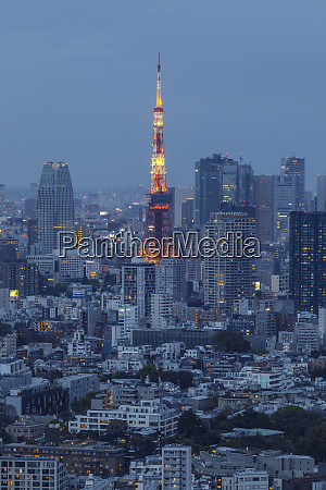 the tokyo tower in central tokyo