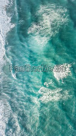 widok z lotu ptaka na morze