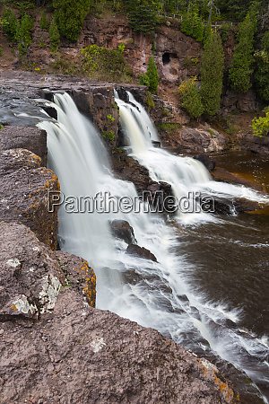 minnesota gooseberry falls state park middle
