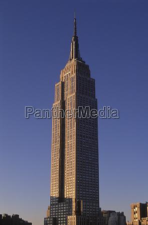 empire state building manhattan new york