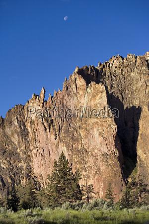 usa oregon smith rocks sp climbers