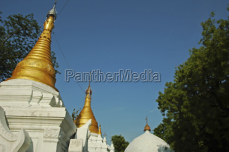 myanmar mandalay small white buddhist temples
