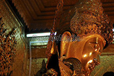 myanmar mandalay golden buddha statue at